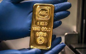 Giới phân tích dự báo giá vàng có thể giảm ở ngưỡng 1.790 USD/ounce